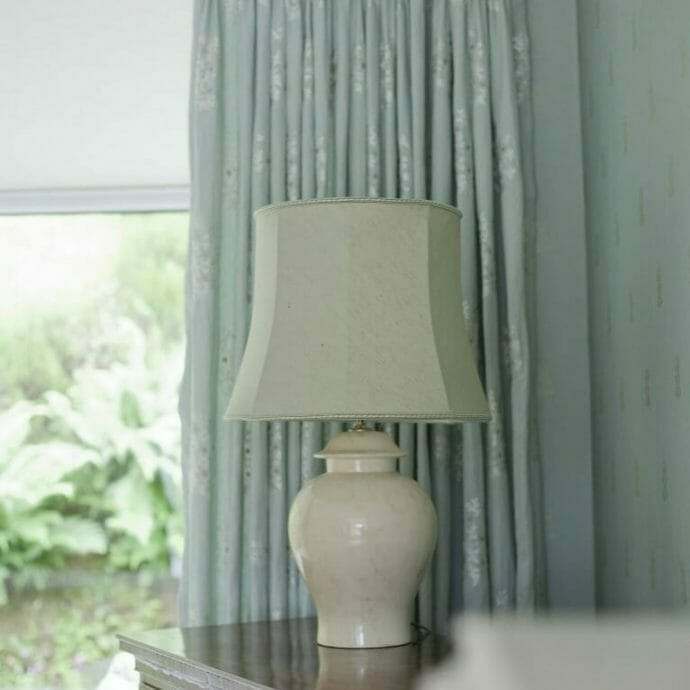 Metropole 6130 with triple pinch pleat curtain